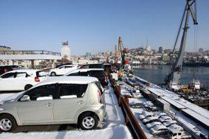 Таможня Владивостока заявила, что не прекратила оформление авто иногородним
