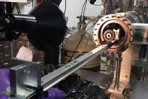 Физики заставили антиматерию показать волновые свойства