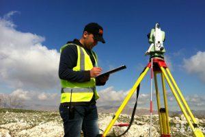 Кто такой кадастровый инженер: специфика работы, оказываемые услуги и возможности для вызова