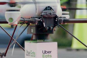 Uber Eats испытала доставку дроном в городе