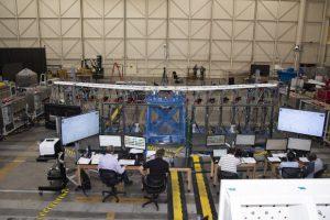 Крыло электрического самолета X-57 прошло нагрузочные испытания