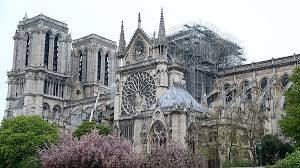 Продолжаются работы по восстановлению Собора Парижской Богоматери