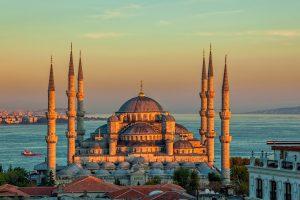 «Интурист» расширил чартерную программу в Стамбул