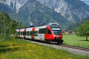 Исследование: туристы назвали поезд самым безопасным видом транспорта