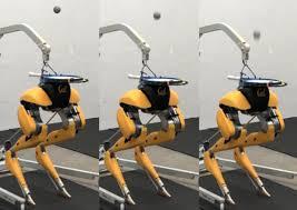 Двуногий робот Cassie научился чеканить мяч