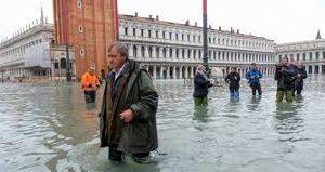 Уровень затопления в Венеции достиг рекордной отметки