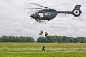 Европейские вертолеты научатся ставить дымовую завесу