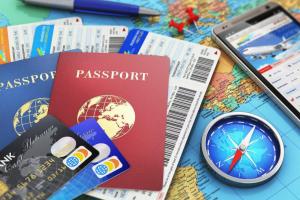 У трети россиян есть отдельные банковские карты для путешествий