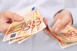 Эстонцам компенсируют расходы на российские визы