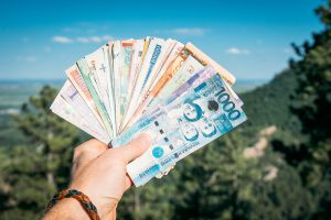 Российские мужчины готовы тратить на путешествия больше, чем женщины