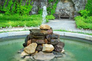 Фонтан — красота в твоем дворе