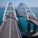 Туристов могут начать тестировать на COVID-19 при въезде на Крымский мост