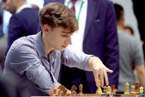 Даниил Дубов поборется за победу в онлайн-турнире