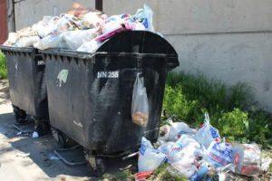 Решаем проблему мусора во дворе на раз-два