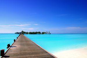 Мальдивы начнут принимать иностранных туристов с 15 июля