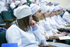 Российские медики считают, что ординатура должна оплачиваться – опрос