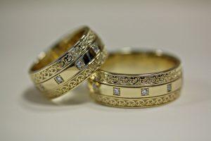 Как подобрать обручальное кольцо