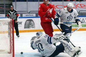 «Спартак» обыграл «Динамо» в серии буллитов