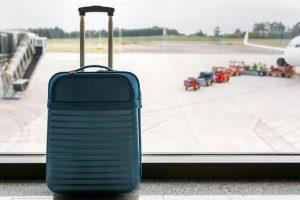 Больше половины россиян иногда летают без дополнительного багажа