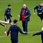 Сборная России потеряла пять позиций в рейтинге ФИФА