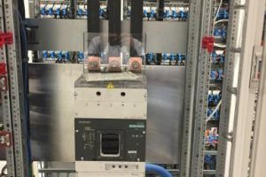 Измерение тока и напряжения промышленного электрооборудования