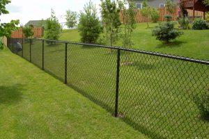 Забор на даче: качественно и с гарантией.