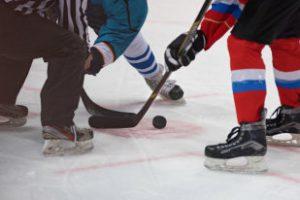 Молодежная сборная России по хоккею прибыла в Канаду