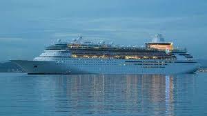 Royal Caribbean продала два круизных лайнера неизвестному покупателю в Азии