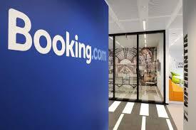 Booking.com обратился в суд с иском к ФАС