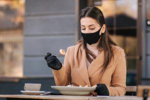 Люди с синдромом Баррета и рефлюксной болезнью могут иметь повышенный риск заражения через пищу