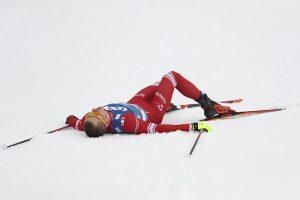 Большунов остался без медалей в гонке на 15 км