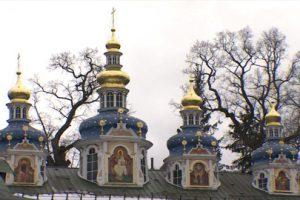 На стенах Успенского собора Псково-Печерского монастыря обнаружены росписи XVIII века