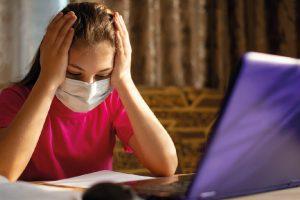 Уровень стресса школьников повысился на дистанционном обучении