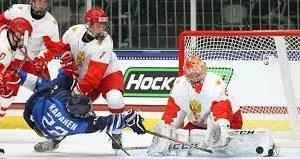 Хоккеисты сборной России проиграли финнам в матче юниорского ЧМ