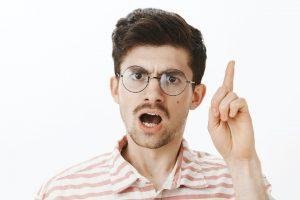 Негативные высказывания в адрес других людей формируют у детей предвзятое отношение