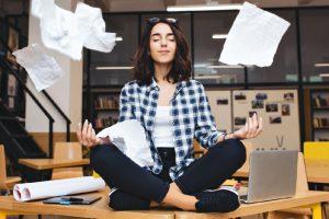 Микроперерывы помогают справиться с усталостью на офисной работе