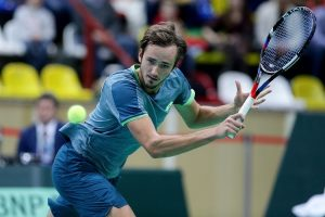 Теннисист Медведев заразился коронавирусом и не сыграет в Монте-Карло