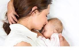Совместный сон с маленьким ребенком провоцирует развитие депрессии у матери