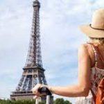 Франция начнет принимать иностранных туристов с июня