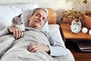 Новое об апноэ во сне: его лечение снижает риск деменции