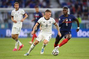 Франция обыграла Германию благодаря автоголу Хуммельса