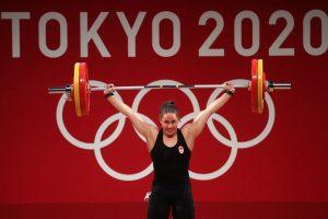 Канадская тяжелоатлетка Мод Шаррон завоевала «золото» на Олимпиаде в Токио