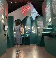 Выставка «Вертикаль» в Музее кино на ВДНХ приняла первых посетителей