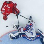 Брагин: Матвей Мичков выдерживает взрослый хоккей