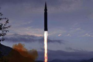 Северная Корея испытала гиперзвуковую ракету