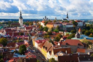 Эстония упростила правила пребывания в стране для россиян