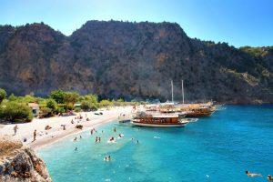 Итоги лета: российским курортам не удалось обойти Турцию, несмотря на месяц форы