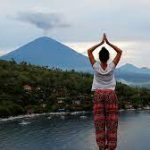 На остров Бали разрешили въезжать туристам из пяти стран