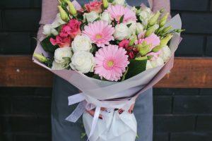 Услуги доставки цветов
